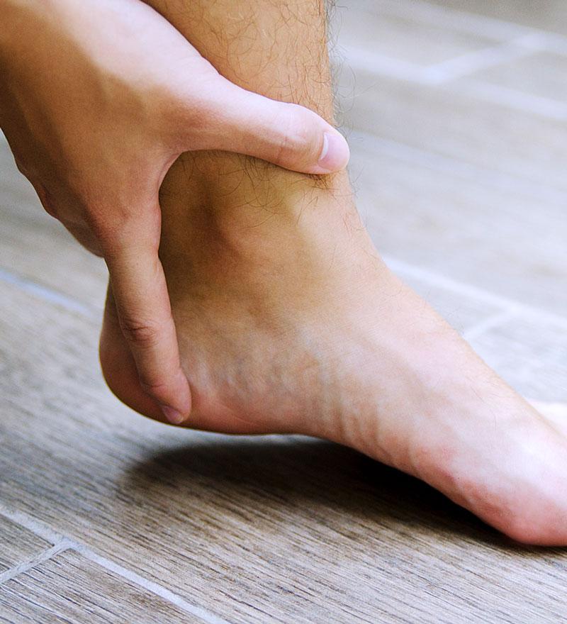 Bei der Podo-Orthesiologie wird über eine Therapiesohle Einfluss auf die Gesamtstatik des Organismus genommen.